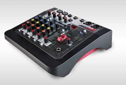 Allen&Heath mixing console: with FX