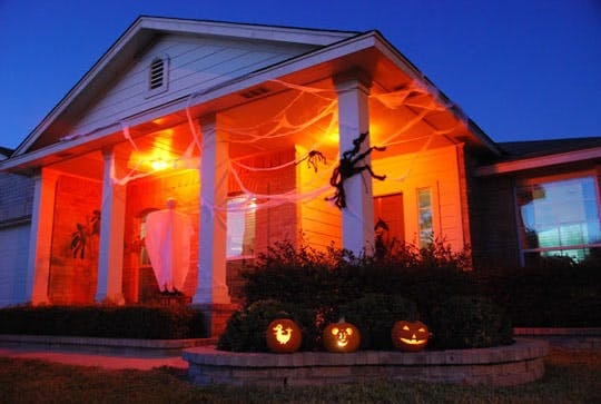 Halloween Tricks with Lighting, Effects, Sound and Projectors on halloween house full of lights, halloween drawing, halloween black light with leaves, halloween accessories, outdoor light show effects, halloween weapons, photoshop effects, halloween masks, halloween chair covers, halloween decorations,
